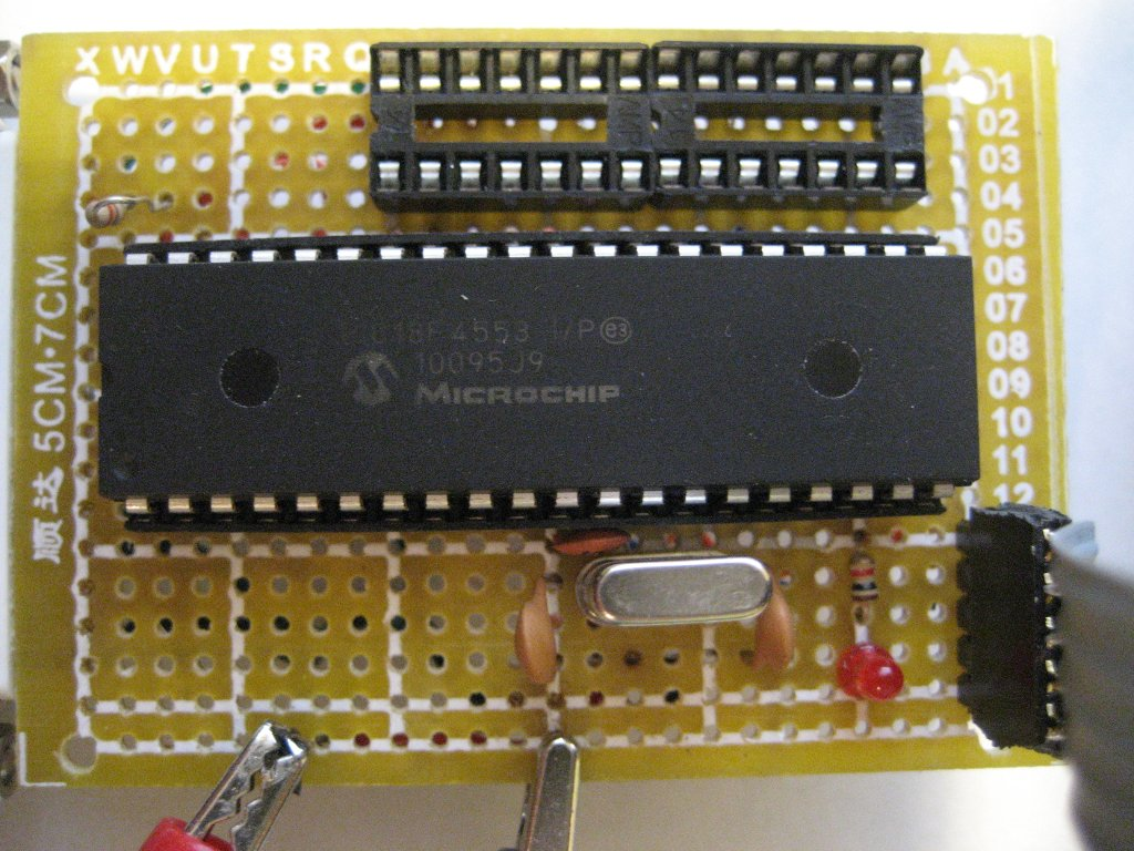 Kerry D Wong Blog Archive Building A Usbpicprog Pic Programmer Jdm2 18f Pic18f4553 Being Programmed