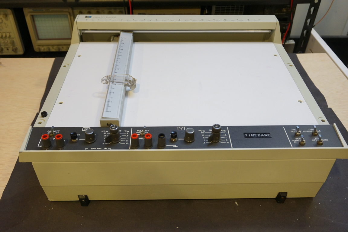 Kerry D Wong Blog Archive Hp 7044a X Y Recorder Teardown Circuits 8085 Projects Analog Oscilloscope Circuit It Is Not Surprising That The Input Controls Look Like Those Of An In A Sense Functions Very