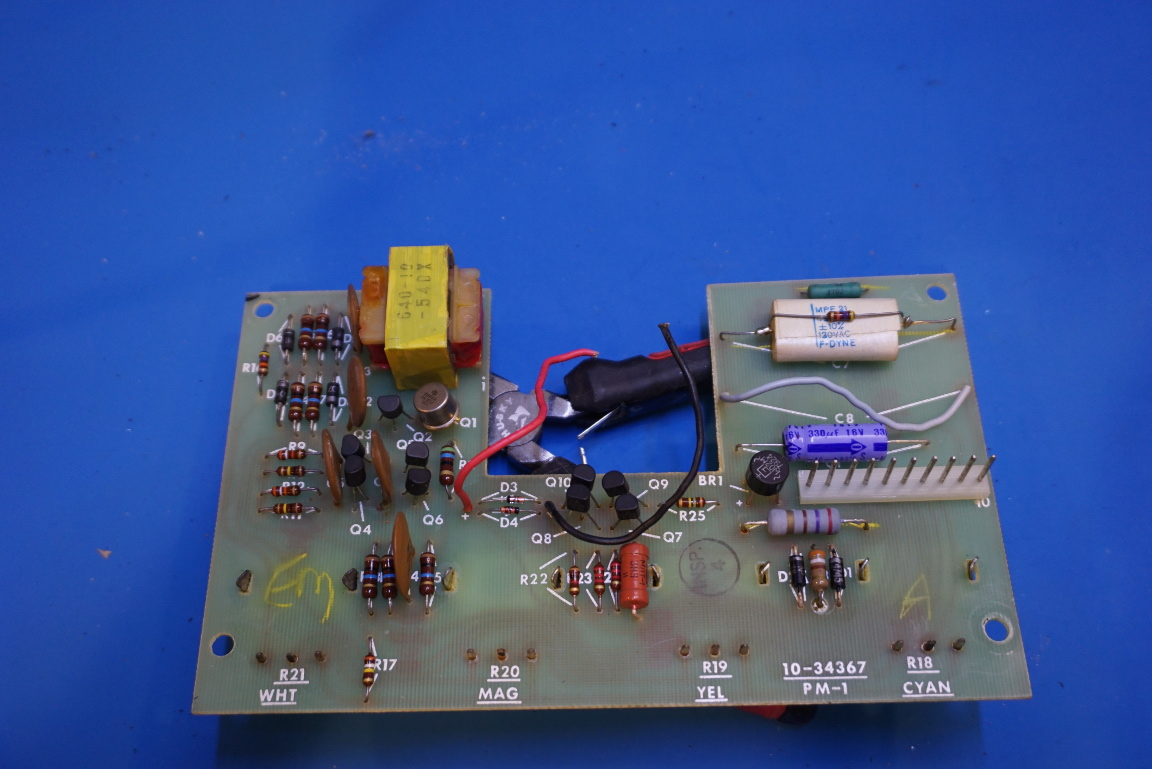 Kerry D Wong Blog Archive Inside A Pm1a Color Analyzer Integrated Circuits Suppliers For Sale And Not Surprisingly The Black Sensor Box You Can Find 931a Photomultiplier Tube Since Voltage Dividers Are Already Soldered On Socket