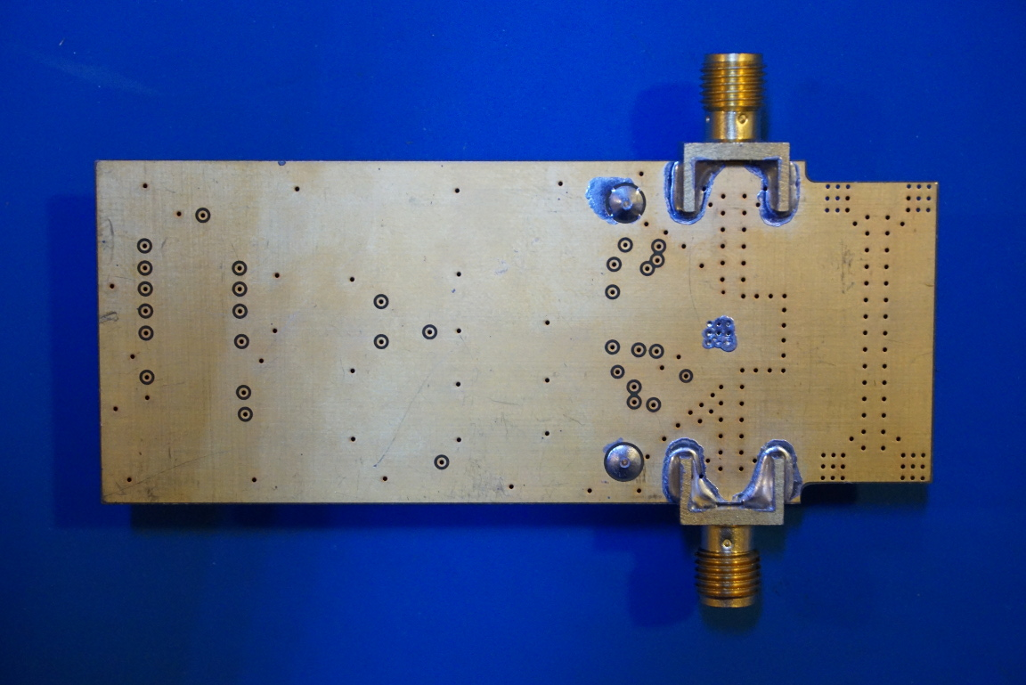 Kerry D Wong Blog Archive Controlling An Hmc624lp4e Rf Switch Attenuator Is Mmic Monolithic Microwave Integrated Circuit Fabricated With Gallium Arsenide Gaas Semiconductor The Picture Below Shows Chip