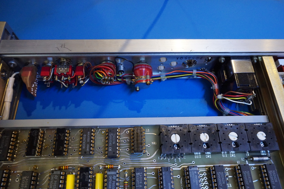 Kerry D Wong Blog Archive Inside A Datum 9300 Time Code Generator Computer Circuit Board With Binary Closeup Digital Compostie Here Are Couple Of Pictures Showing The Back Side Unit Two Bnc Outputs For 1 Khz And 10 Signals Third